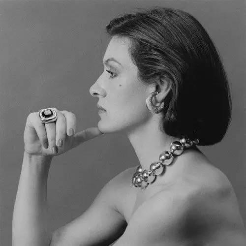 珠宝设计大师?像这样,看她的人生