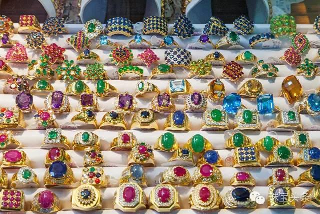 珠宝产业链上游已无人赎救?!库存变现将成唯一曙光!