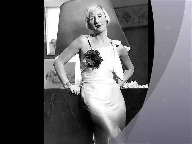 她不为任何人设计首饰,却是欧洲大受欢迎的珠宝设计师