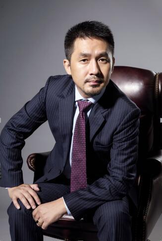 在巴黎时装周对话BOJEM(宝姐)珠宝CEO:无忌哥(张骥)
