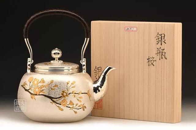 银壶泡茶好在哪里?